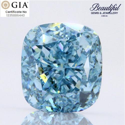 BLUE-0.26ct_VS2_GIA-1335886440-Vivid