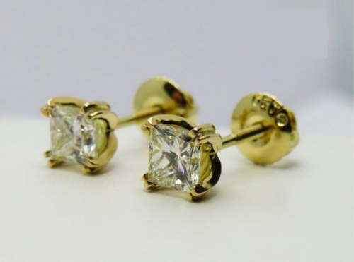 Stud Earrings with 1 Carat Diamonds in 18ct Yellow Gold